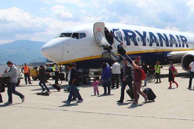 Ryanair: Handgepäck darf NICHT immer mit ins Flugzeug!