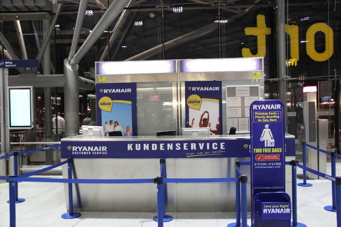Ryanair-Schalter am Flughafen