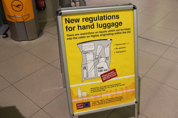 Die Bestimmungen der EU für Flüssigkeiten im Handgepäck