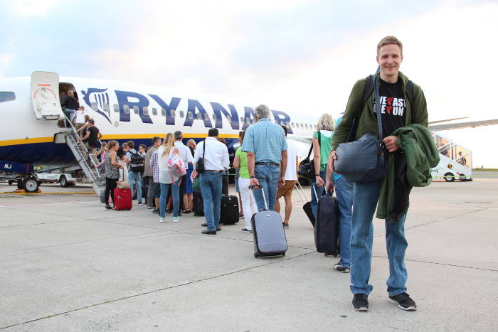 Taschen für das kleine Handgepäck bei Ryanair sind zu klein für ein Laptop oder Tablet