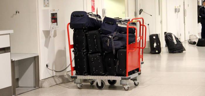 Bei Ryanair ist es erlaubt mehrere Gepäckstücke zusammen zu legen