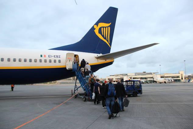Ryanair: Mitnahme von >>KINDERSITZ (Maxi Cosi) + >>KINDERWAGEN!