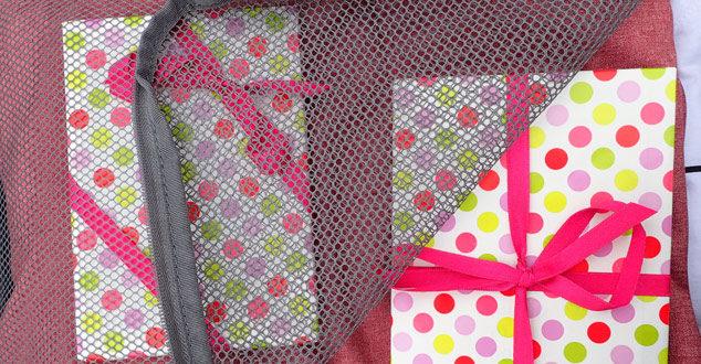 Verpackte Geschenke dürfen ins Handgepäck, können aber problematisch sein!