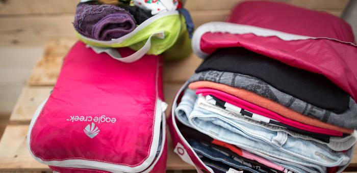Packbeutel bei Reisen im Rucksack