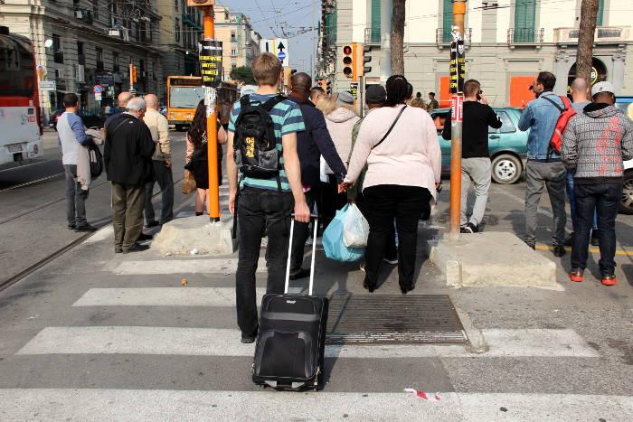 Der Travelite Orlando-53cm ist ideal für Normal-Reisende, die einen erschwinglichen Trolley für Ryanair und Co. suchen.