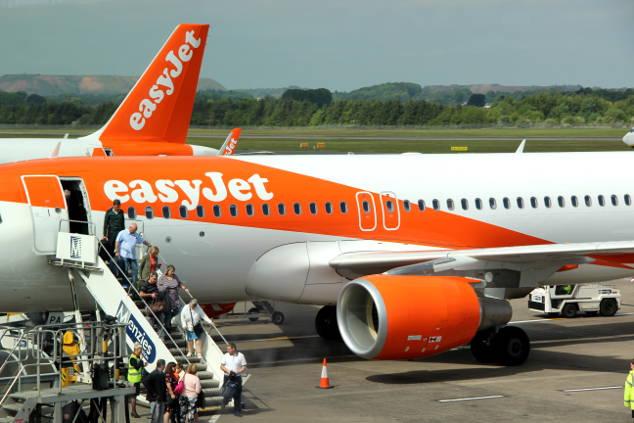 """Easyjet """"hands free"""": Dann lohnt es sich das Handgepäck für 5 Euro aufzugeben"""