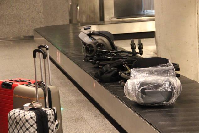 Kindersitz für Lufthansa: So reist du sicher mit deinem Kind!