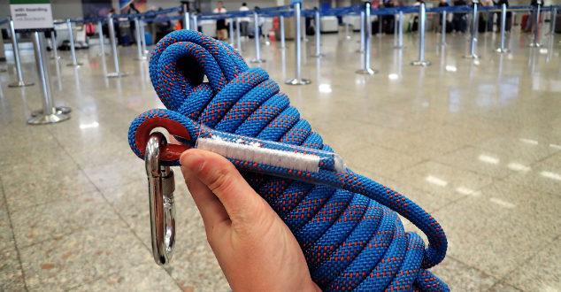 Die Mitnahme eines Seils im Handgepäck ist in der Regel unproblematisch!